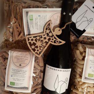 confezione regalo di pasta di farro e vini da uve biologiche